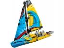 LEGO Technic - Závodní jachta
